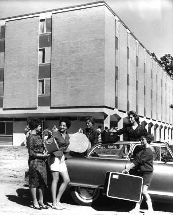 Freshman-move-in_1959